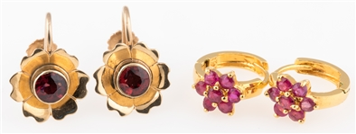 TWO PAIRS OF 14K GOLD EARRINGS WITH GARNET AND RUBY
