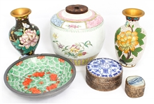 CHINESE ITEMS - CLOISONNE, PORCELAIN AND TRINKET BOXES