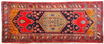 PERSIAN RUG WITH FLOWER DESIGN