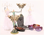 WOMENS JEWELRY STANDS, SUNGLASSES, & ACCESSORIES