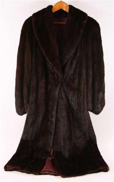WOMENS 20TH C. SCANBROWN MINK COAT