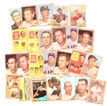 1962 TOPPS BASEBALL TRADING CARDS - LOT OF 25