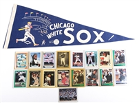 CHICAGO WHITE SOX BASEBALL CARD AND PENNANT LOT